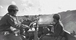 """סיור צבאי ליד התעלה. צילום: משה מילנר, לע""""מ"""