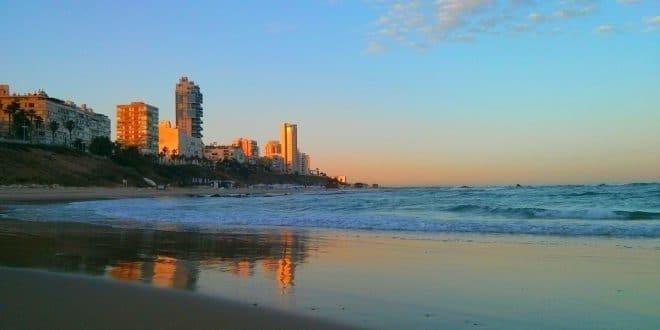 """שר הפנים אריה דרעי: """"69 חופים יפתחו כבר בחופשת הפסח ללא תשלום"""""""