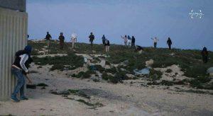 צילום של הערבים שמפרסמים, לטענתם יהודים מתעמתים עם מחבלים בעוריף לפני החיסול