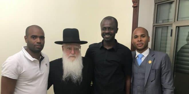 משלחת מכובדים מאפריקה הגיעה לפגישה עם רב העיר של אשדוד