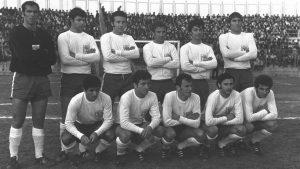 נבחרת ישראל בכדורגל במשחק נגד הולנד ב-1970. צילום: משה מילנר/לעמ