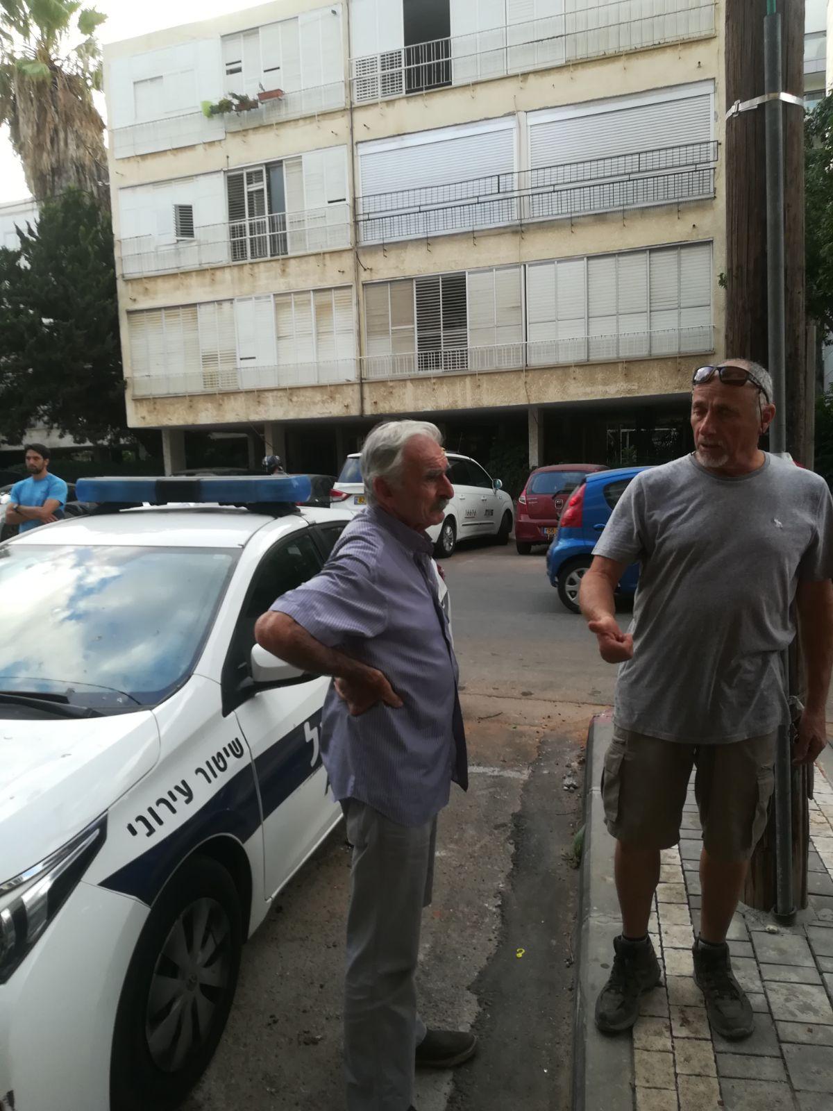 פינוי הדיירים בבניין. צילום: ישראל ניוז