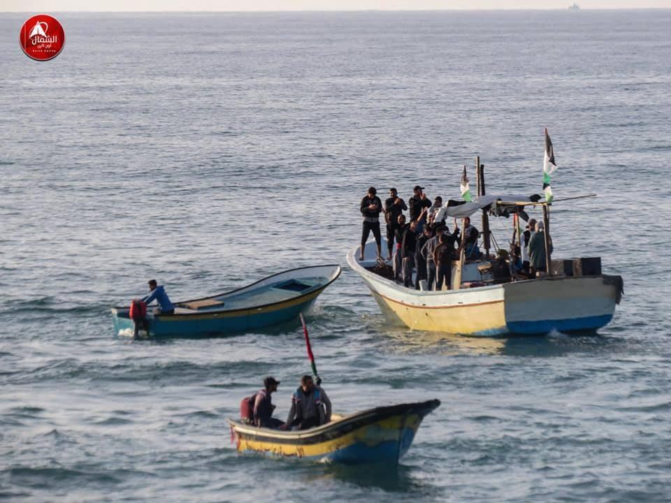 ספינות מחבלים משייטים בים