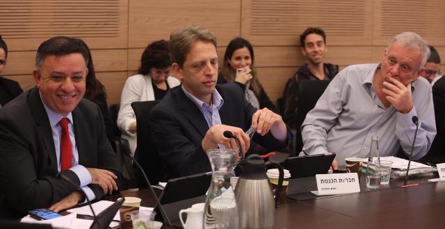 """אבי גבאי בוועדת הכלכלה: """"הממשלה איבדה את השליטה על יוקר המחיה"""""""