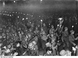 תהלוכת הלפידים לכבוד היטלר