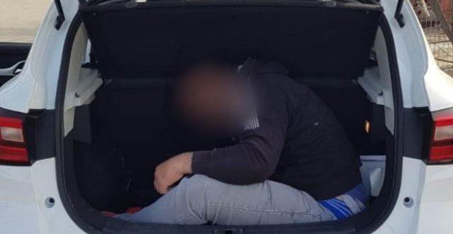 ישראלית הבריחה פלסטיני בתוך תא מטען לשטח ישראל