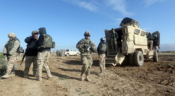 """דיווח: ארה""""ב מתכוונת להשתלט על מעבר הגבול באלקאים בין סוריה ועירק"""