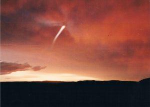 """צילום שני: העב""""ם טס לתוך העננים. צילום: אתי אליאן"""