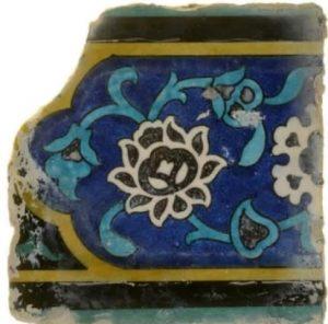 אריח קרמי מכיפת הסלע, מהמאה ה- 16. צילום: רשות העתיקות