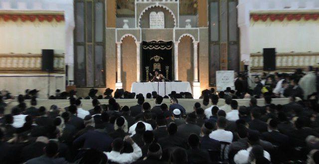 תיעוד היסטורי: אלפים בשיעורו המיוחד של הגאון הפלאי הצדיק 'הינוקא' בירושלים. צפו