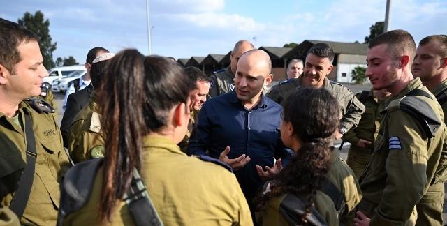 בנט: ״איראן מנסה להתבסס בסוריה, לא נקבל שכנים חדשים על גבולות מדינת ישראל״