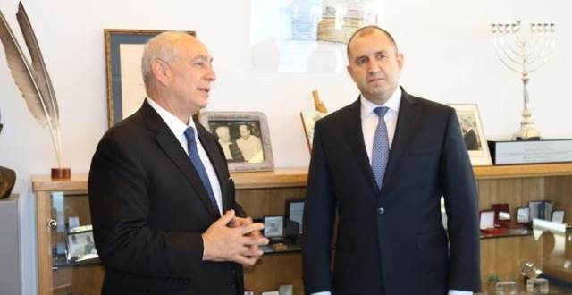 נשיא בולגריה רומן ראדב וחמי פרס צילום   אלון גרף