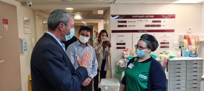 """השר רפי פרץ בביקור בלניאדו: """"אעלה את נושא תקצוב בית החולים בממשלה"""""""